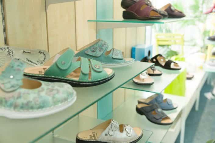 Fischer Orthopädie Galerie Laden Schuhregal